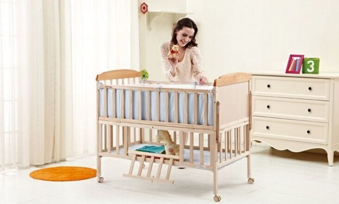 婴儿睡软床有何害处 久睡软床可致脊柱畸形